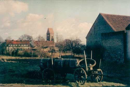 Bilder von der Dorfkirche